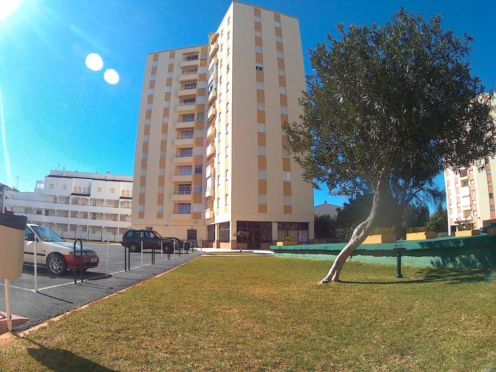 Ref 186. Apartamento reformado a escasos metros de la playa.
