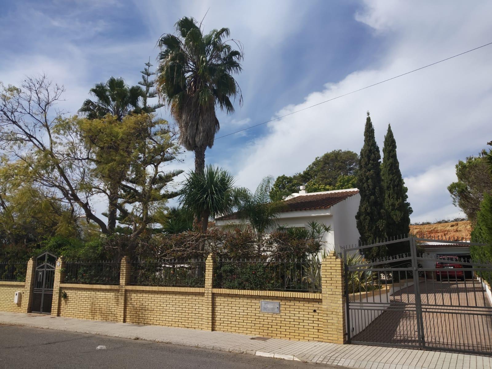 Chalet en urbanización Villa Antonia